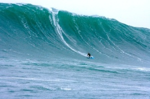 Just kidding ! No. 41597 from MagicSeaweed.com, a nice wave at LaHinch Ireland