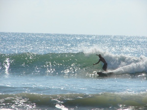 Chad on the wave of the day...with no wax on board ;)