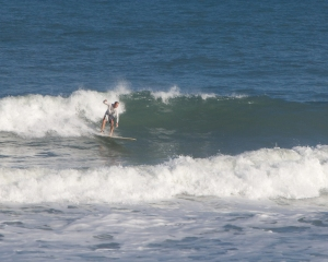 Really fun bottom turn, all is well...Image 4 of 7