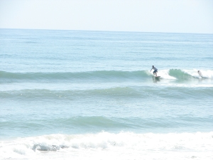 Nice wave, 6 shot sequence, Image 1 of 6