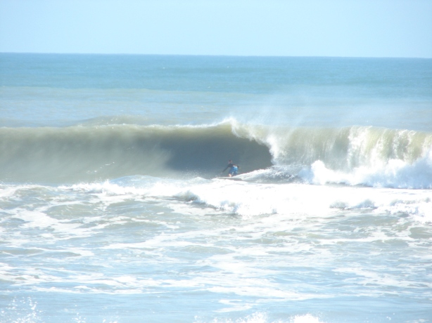 November 10, 2011 ENE swell, 6 foot 11 second period, one of the medium size waves for the day, probably a 10 foot face or 11 foot face on the drop.