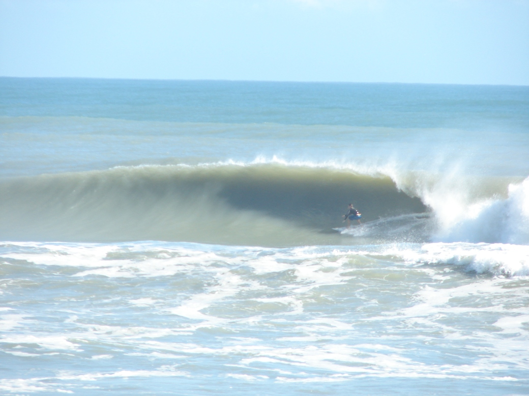 This was Nov 10 2011, a 6 foot 11 second swell, this Saturday,  9-7-12 is showing 6 ft at 15 seconds, compare :)