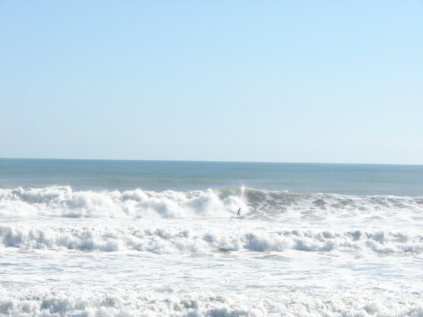 Same day, 6 feet at 11 second period NE swell, shot Nov 10 2011 by Oldwaverider (Art)