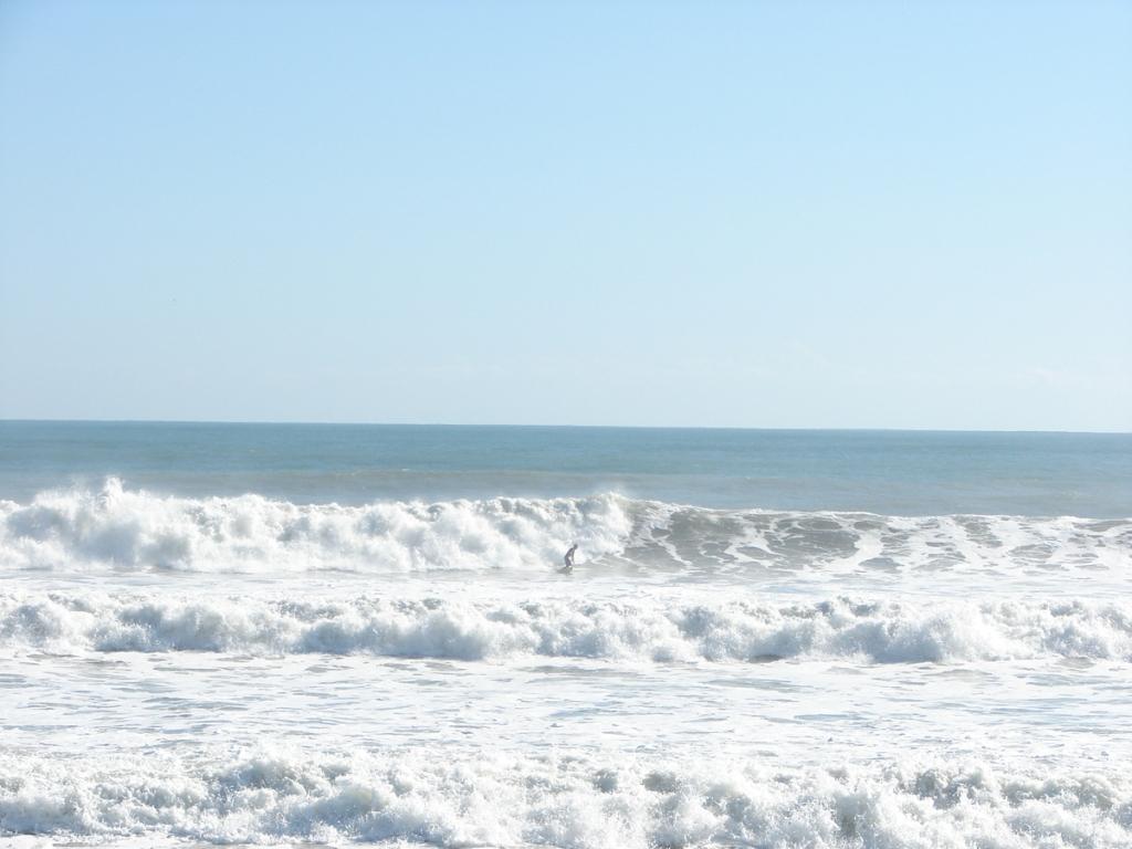 1 of 3 shot sequence, shot Nov 10 2011, Satellite Beach, NE swell, 6.5 feet at 11 seconds, photo by Art Hansen
